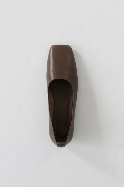 Toast Flat Shoes (Brown)